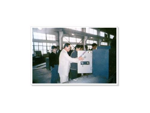 香港客商参观成品总装生产线